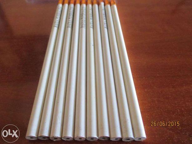 10 Lápis com borracha