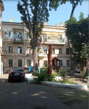Продам квартиру в центре Одессы.