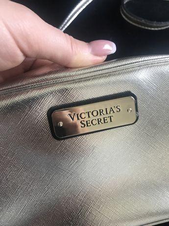 Torebka zlota Victoria secret  złota z Kanady