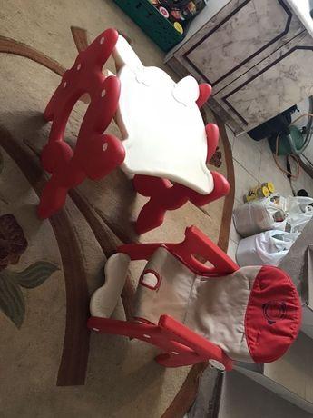 Stolik do karmienia dla dziecka