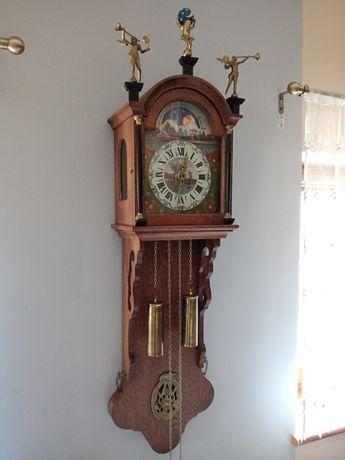 Zegar scienny wiszacy mechaniczny