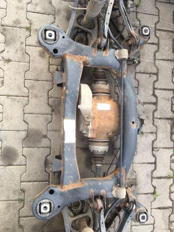 belka zawieszenie tylna BMW e90 330 kombi