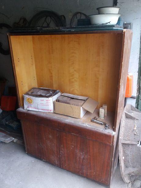 Продам 2 советских шкафа