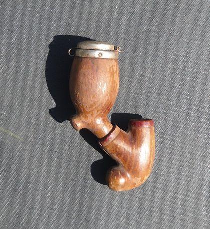 Старая курительная трубка(фрагмент)