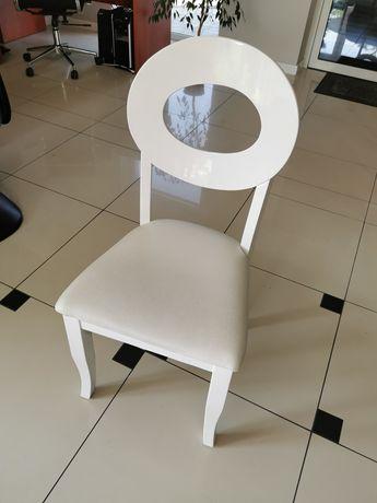 Krzesło białe idealne do toaletki