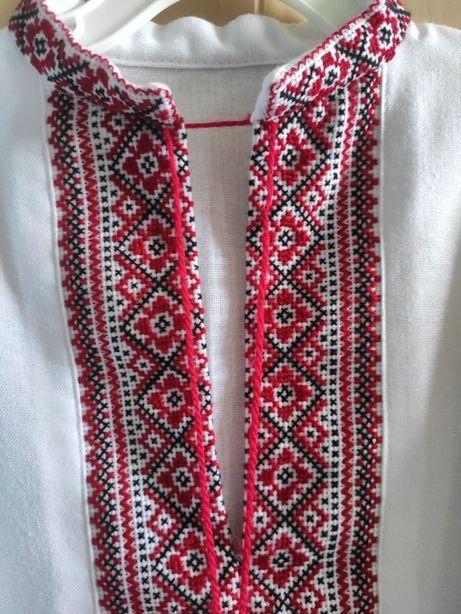 Вышиванка домотканое полотно, ручная вышивка.
