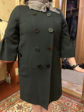 Стильное легкое пальто на теплую осень от Е . Фененко