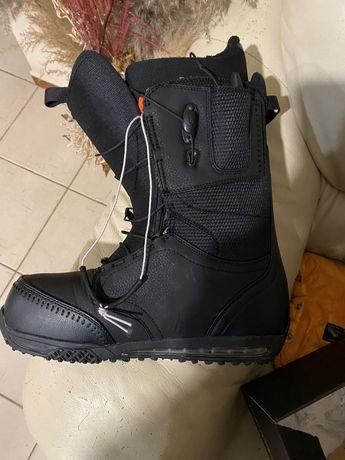 Бордовские ботинки