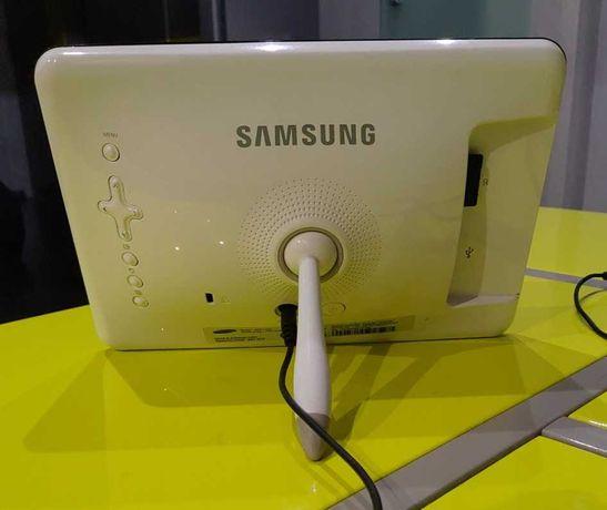Отличная Фоторамка Samsung LP07 (SPF-71ES) на Подарок