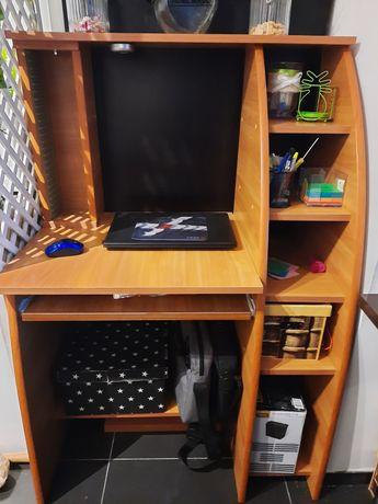 Biurko z bocznym regałem