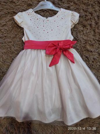 Святкове плаття для малечі