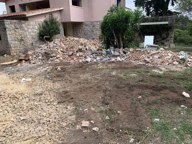 Demolições,retiramos mobília, limpeza de arrecadações e terrenos