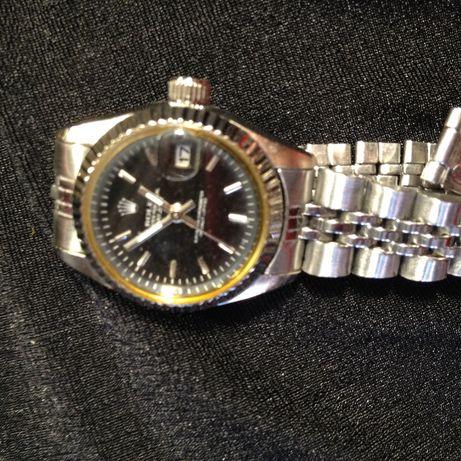 часы ROLEX с браслетом кварцевые