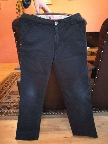 Spodnie chłopięce materiałowe czarne 158cm