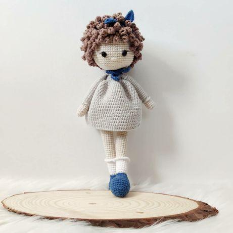 Lalka wykonana na szydełku