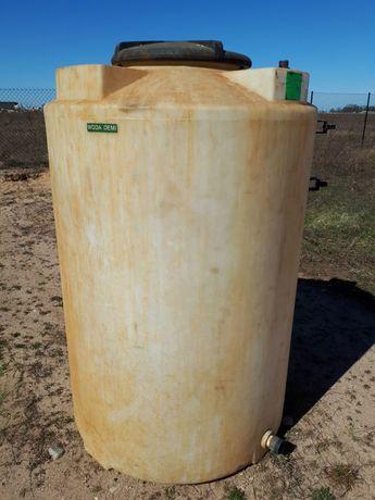 Zbiornik z tworzywa PE ok. 1400 litrów