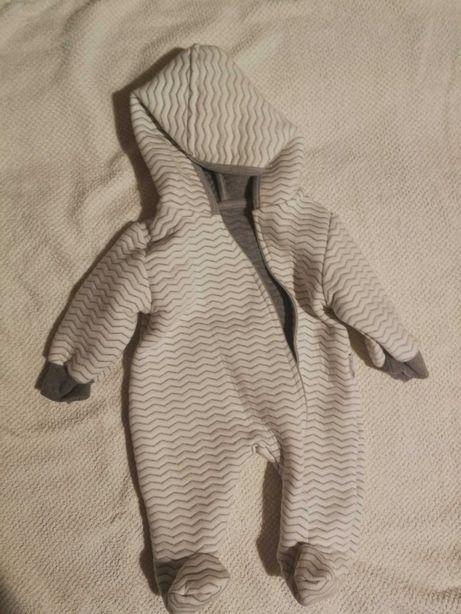 Kombinezon niemowlęcy wiosenny rozmiar 56