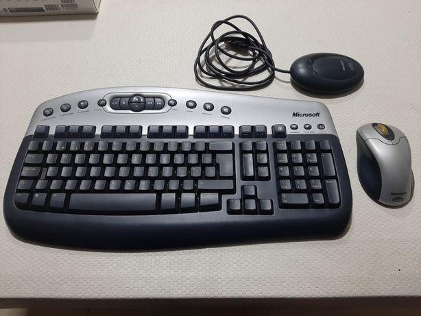 Teclado e Rato óptico com Controlador Wireless da Marca Microsoft.