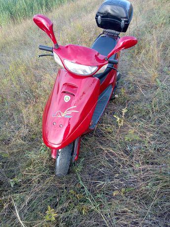 Продам скутер в нормальном состояние