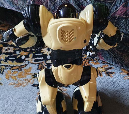 Robot Robot Robot