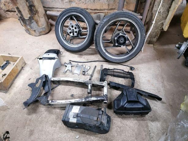 Koła, wachacze, błotniki, filtr,lagi,tarcze, zaciskisety Yamaha fz 750