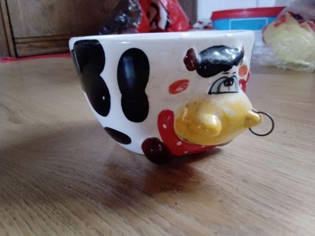 Kubek ceramiczny krowa z kolczykiem w nosie
