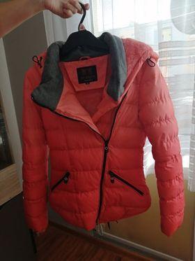 Sprzedam kurtkę zimową ,dziewczęcą na wzrost 158cm