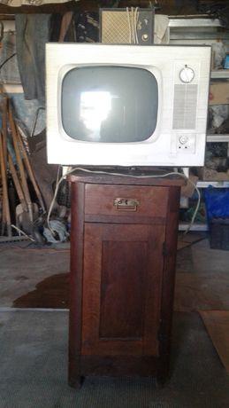 Продам телевизор Рекорд-64-2