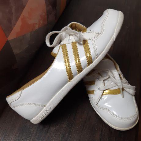 Спортивные туфли кроссовки балетки Adidas стелька 22 см