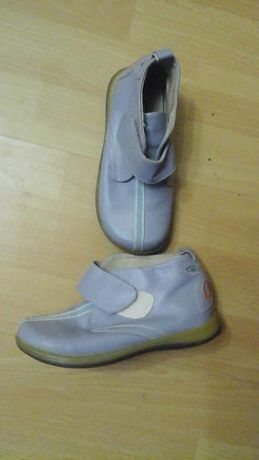 Кожа ботинки демо 28 рзамер 17 см длинна стельки .
