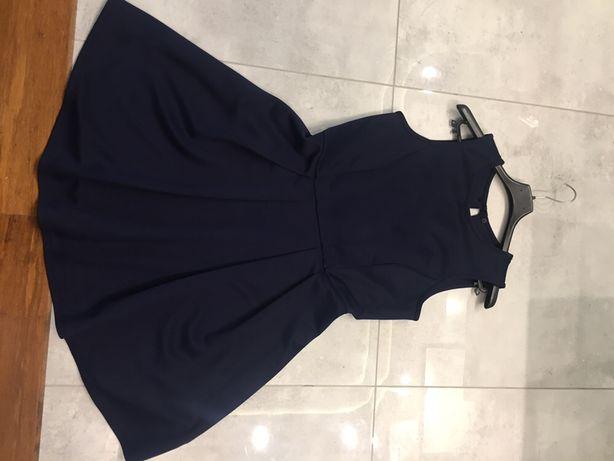Klasyczna granatowa sukienka