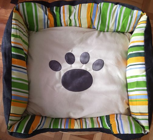 legowisko dla psa lub kota