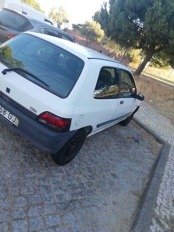 Renault clio 475€