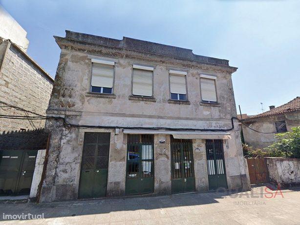 Prédio para remodelar em Maximinos - Braga