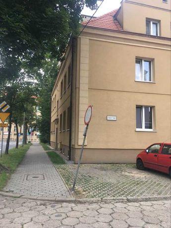 sprzedam mieszkanie 39m2, 2 pokoje, Tarnowskie Góry, centrum
