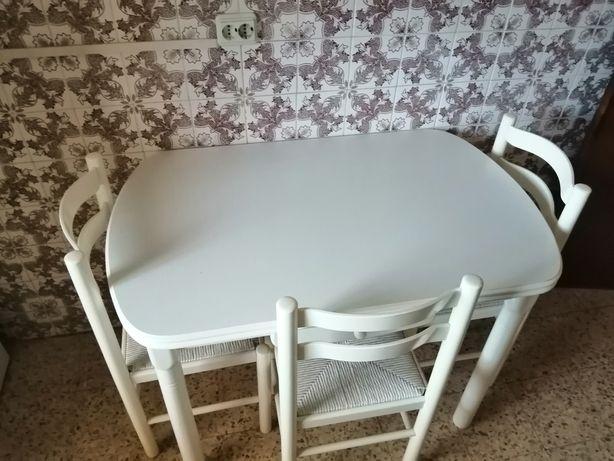 Mesa de cozinha usada