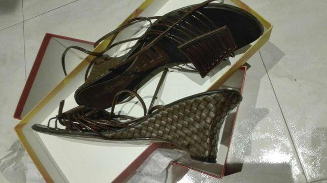 Sapatos senhora pele