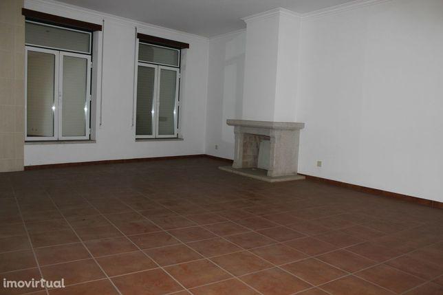 Apartamento T3 DUPLEX Venda em Alcains,Castelo Branco