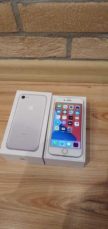 iPhone 7  srebrny silver idealny