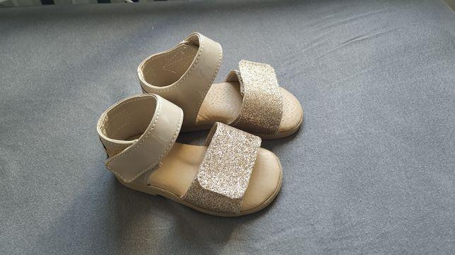 Sandałki NOWE 19/20 Slippers Family