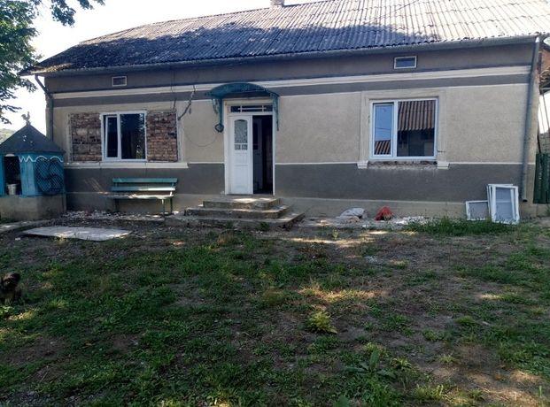 Продається будинок є газ вода город сад сарай літня кухня.