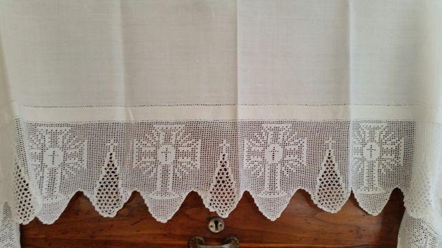 Toalha de altar em linho e crochet
