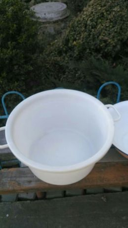 Миска таз кастрюля ёмкость пластмассовая пластиковая на 20 л.