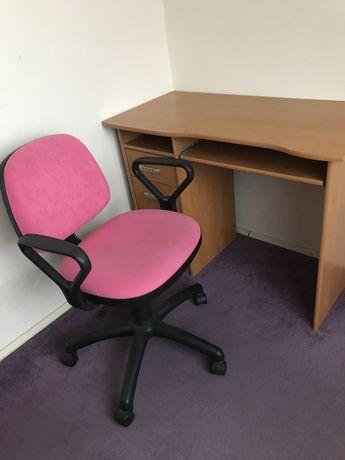 Biurko z krzesłem stan idealny