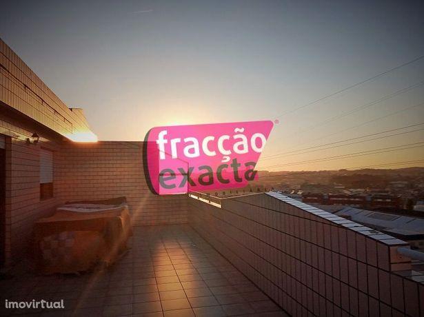 T3+1 Duplex com Terraço, Nogueira Maia Jtº. ao Lidl) Ref. 21.8/048