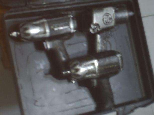 tres maquinas pneumaticas marca RC