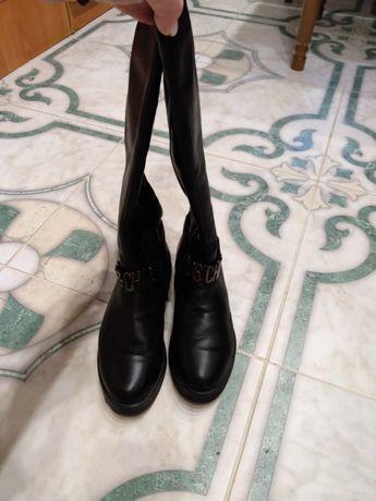 Кожаные женские сапоги р37