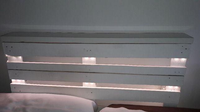 palete cabeceira iluminada