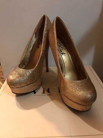 Туфлі жіночі  блискучі