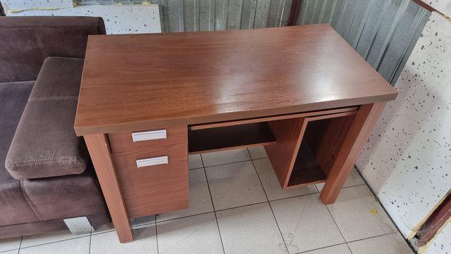 Sprzedam biurko komputerowe.